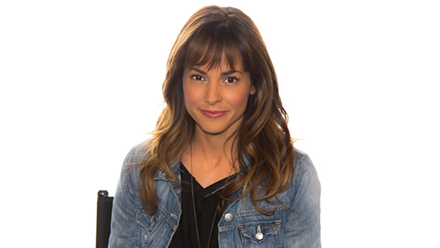 'Satisfaction' star Stephanie Szostak tells FNM about her character's motivations to have an affair.