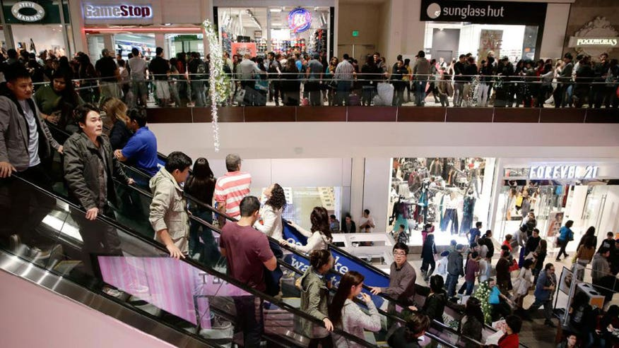 6 in 10 Americans plan to buy holiday gifts between Thanksgiving and Cyber Monday