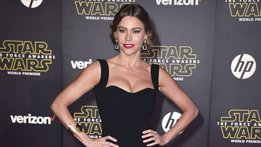Fox 411: Celebs dress up for 'Star Wars: The Force Awakens' premiere