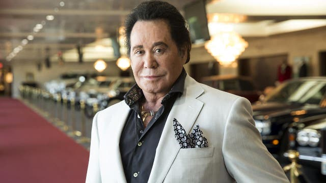 wayne newton fans get up close and personal