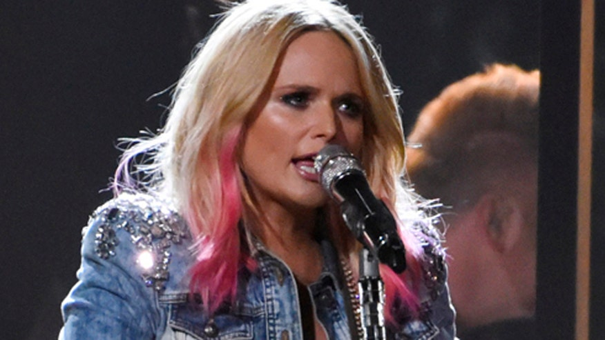 Fox411 Country: Miranda Lambert's live performance with guitarist Scotty Wray of her never-recorded song, 'Scars'