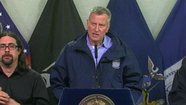 De Blasio provides update on NYC travel bans, closures