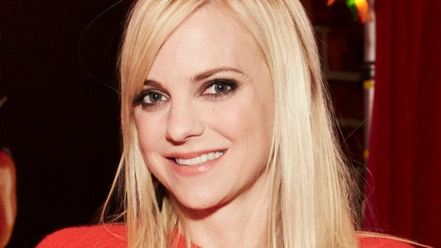 Anna Faris shares advice from her 'Mom': Be selfish in love