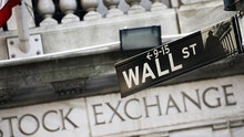 Wall Street reform a focal point of presidential race