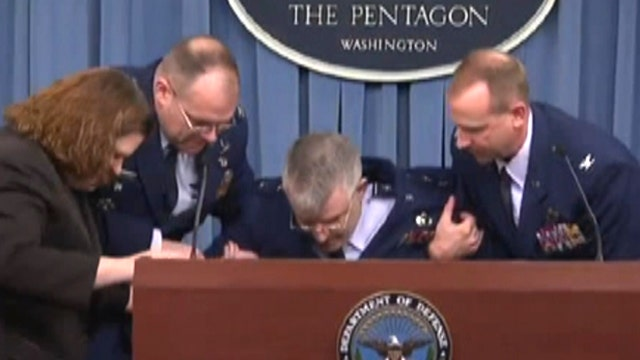 Air Force major general faints during news briefing on F-35