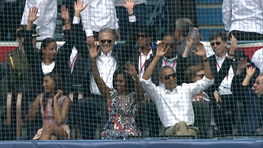 Raw video: First family attends MLB exhibition game in Havana