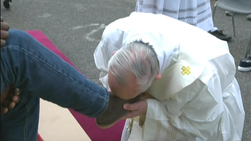 Pope Francis washed and kissed the feet of Muslim, Orthodox, Hindu and Catholic refugees, declaring them children of the same God.