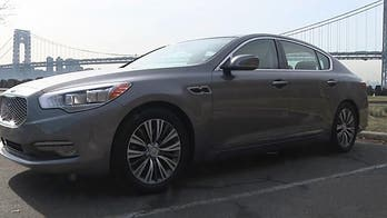 The Kia K900 is a good old fashioned American-style luxury car...from Korea?