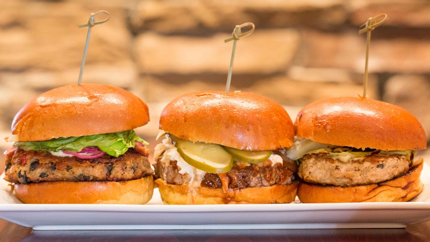 Fox Foodie: Chef Eric LeVine gives us his do's and don'ts for cooking and assembling hamburgers