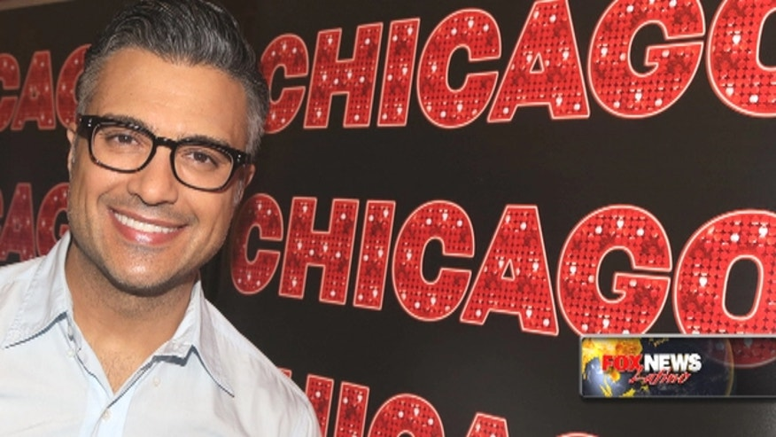 Mexican actor Jaime Camil talks about returning to Broadway in 'Chicago.'