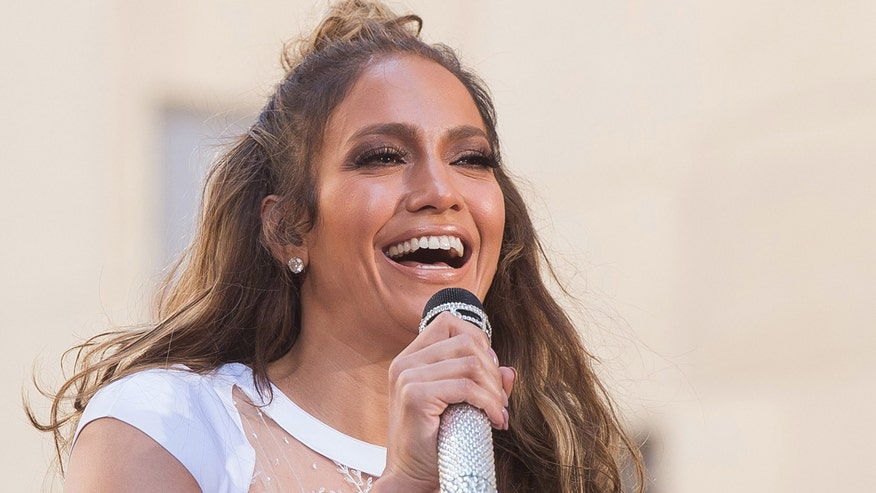 Face2Face: Jennifer Lopez discusses 'Ice Age: Collision Course' and rumors that 'American Idol' is not completely finished
