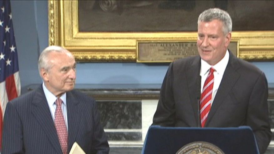 New York City mayor speaks at press conference to announce NYPD's top cop's retirement