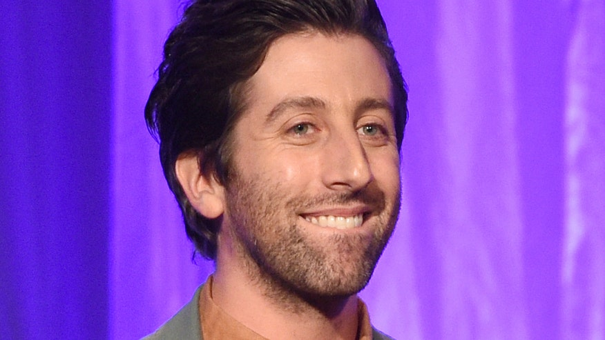 Face2Face: Simon Helberg discusses how difficult it was to becoming a classical pianist for the new film 'Florence Foster Jenkins' and then take a sledgehammer to the music he learned