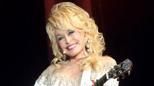 How Dolly Parton satisfies cravings and stays in shape