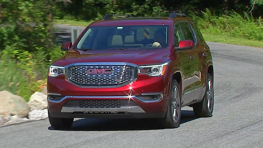 The 2017 GMC Acadia is smaller than the old one, but is jam-packed with the latest technology, including a feature that keeps you from leaving anything important behind.