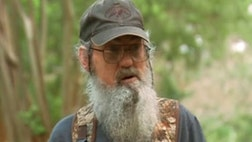 "Uncle Si is back with a new book. ""Si-Renity"" features the ""Duck Dynasty"" star's musings on faith, family and playing poker."