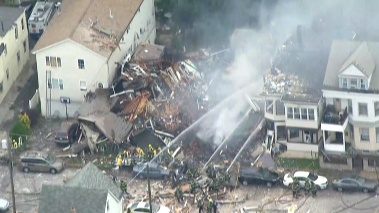 Nj News Paterson >> Gas explosion rocks New Jersey town, 2 homes destroyed | Fox News