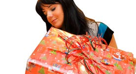 5 waysto boost your holiday shopping budget