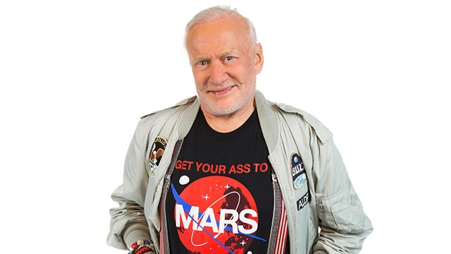 How Buzz Aldrin Snapped the Universe's First 'Space Selfie'