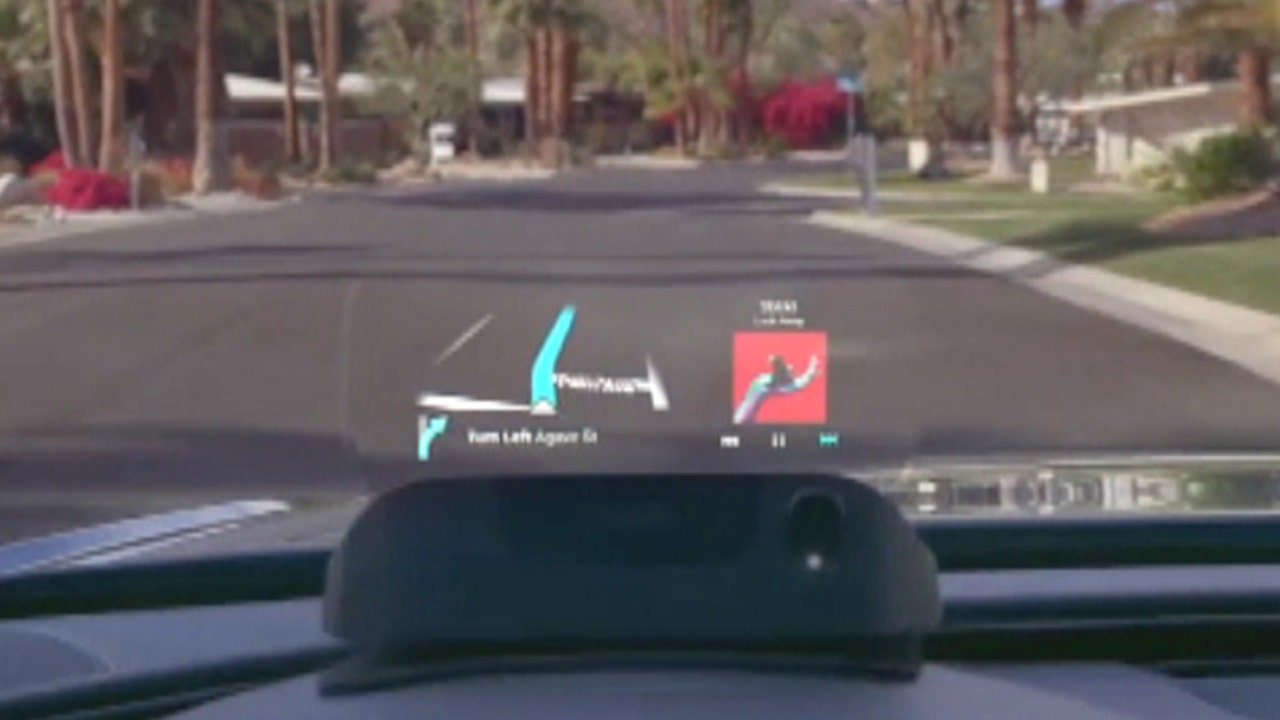 CES: High-tech Display Aims to Make Driving Safer
