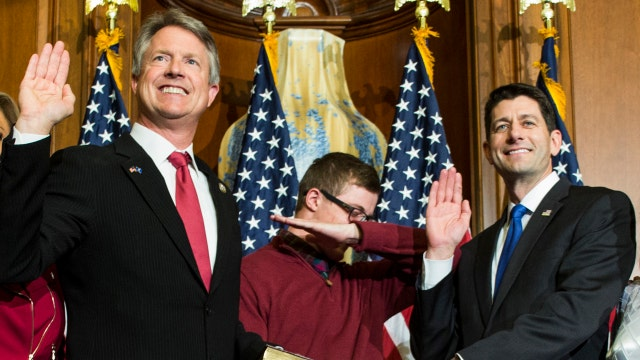 Fox Flash: Congressman's son dabs during swearing-in