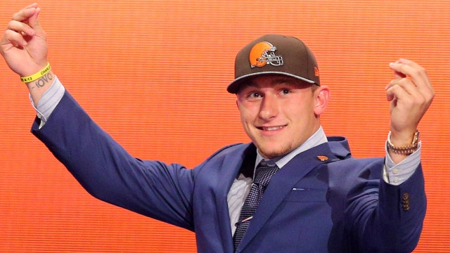 Former NFL player Johnny Manziel to make promotional appearances during Super Bowl week, selling autographs and selfies at Texas malls