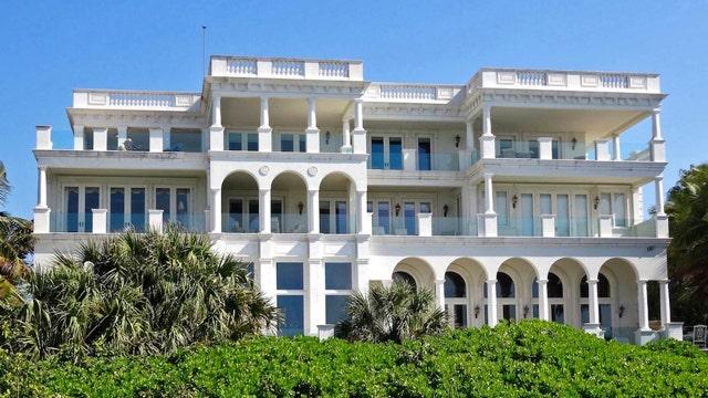 Hot Houses: Majestic Florida mansion