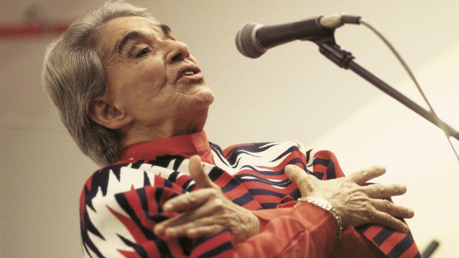 Mexican Singer Chavela Vargas Dies