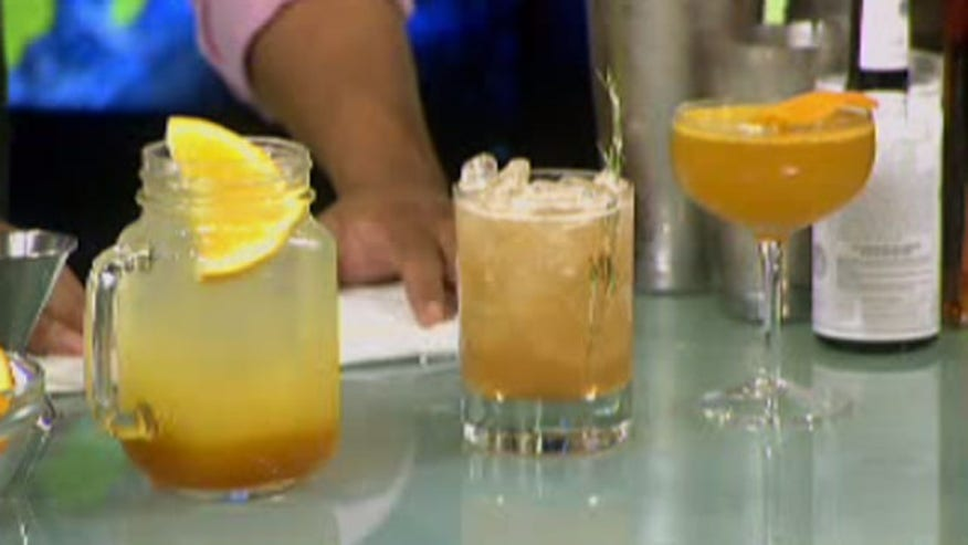 The end of the summer is just around the corner, make sure to try these delicious summer cocktail recipes before it's completely gone.
