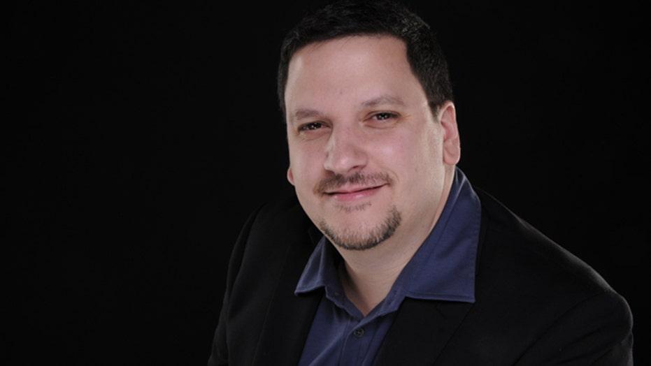 Meet Hispanicize's Manny Ruiz