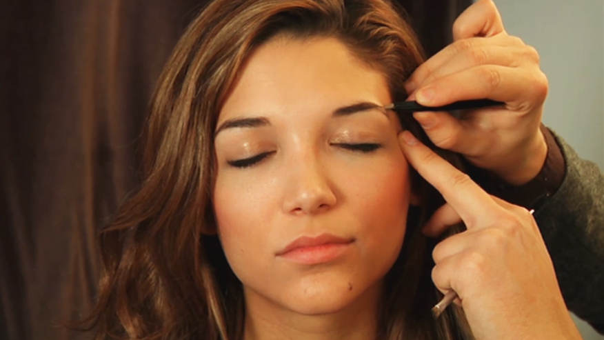 Celebrity Eyebrow Stylist Joey Healy shows us how to achieve beautiful, thick eyebrows.