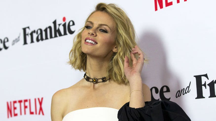 What does it take to woo a gorgeous model/actress like Brooklyn Decker?