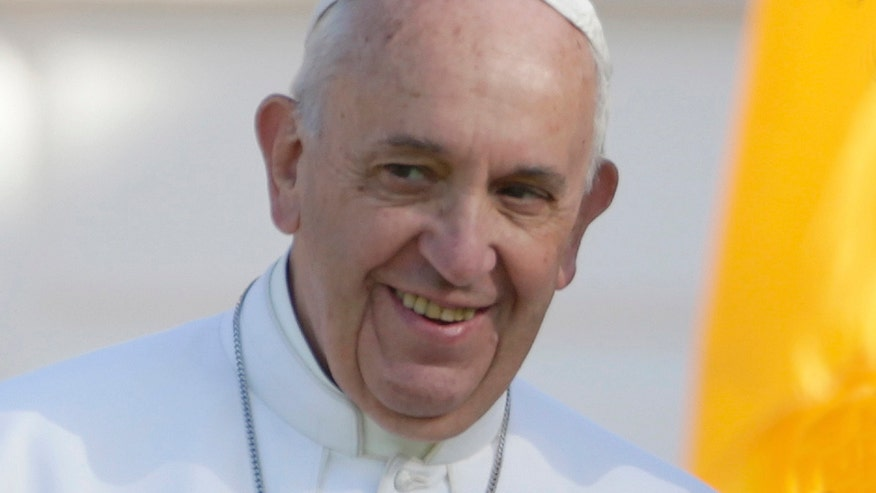Pontiff highlights climate change at welcome ceremony