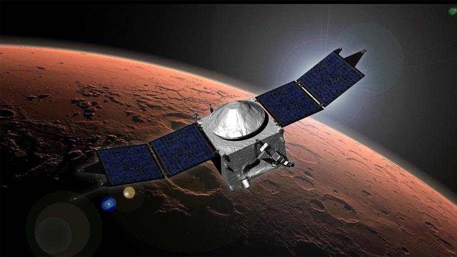 NASA announcement, 'Martian' movie drum up interest in Mars