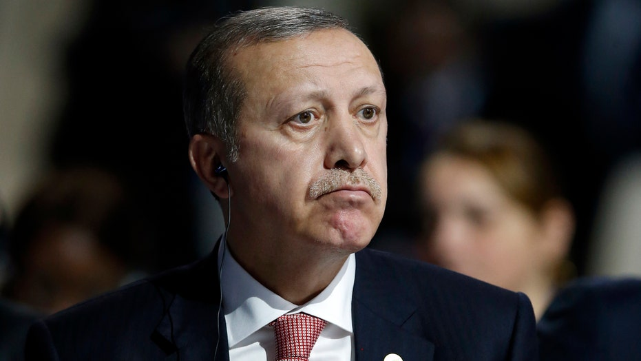 Russia claims Turkey's president tied to ISIS oil trade