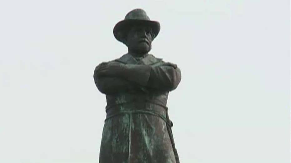 New Orleans leaders vote to remove Confederate monuments