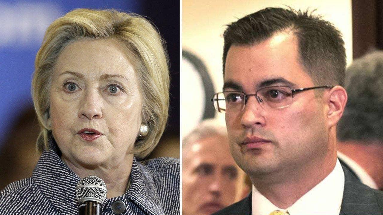 Clinton aide key focus in FBI server investigation