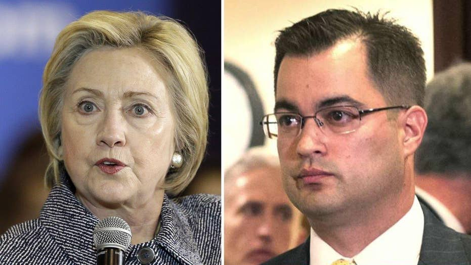 Clinton aide key focus in FBI email server investigation