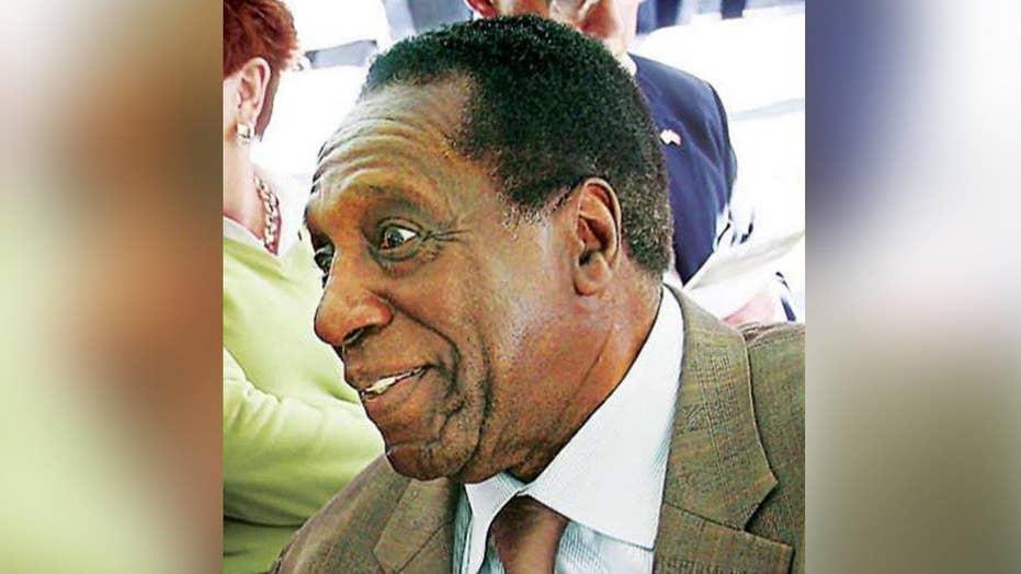 Legendary Harlem Globetrotter Meadowlark Lemon dies at 83