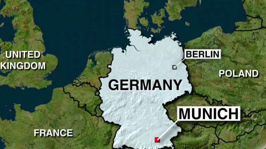 Munich police clear 2 train stations