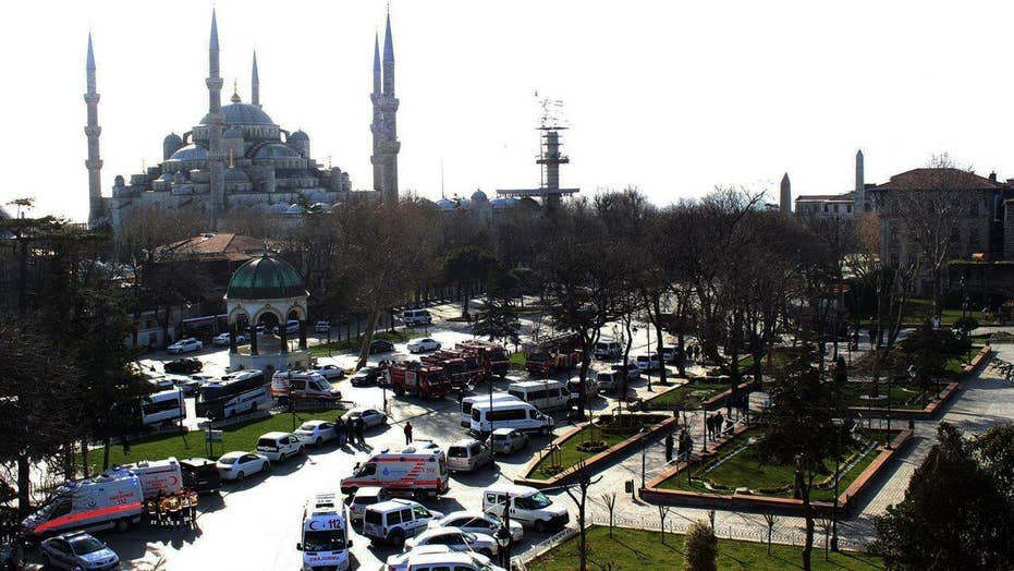 10 dead, 15 injured in explosion in Istanbul