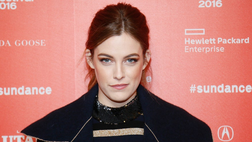 FOX411: Riley Keough won't say 'whether it's the right choice or the wrong choice'