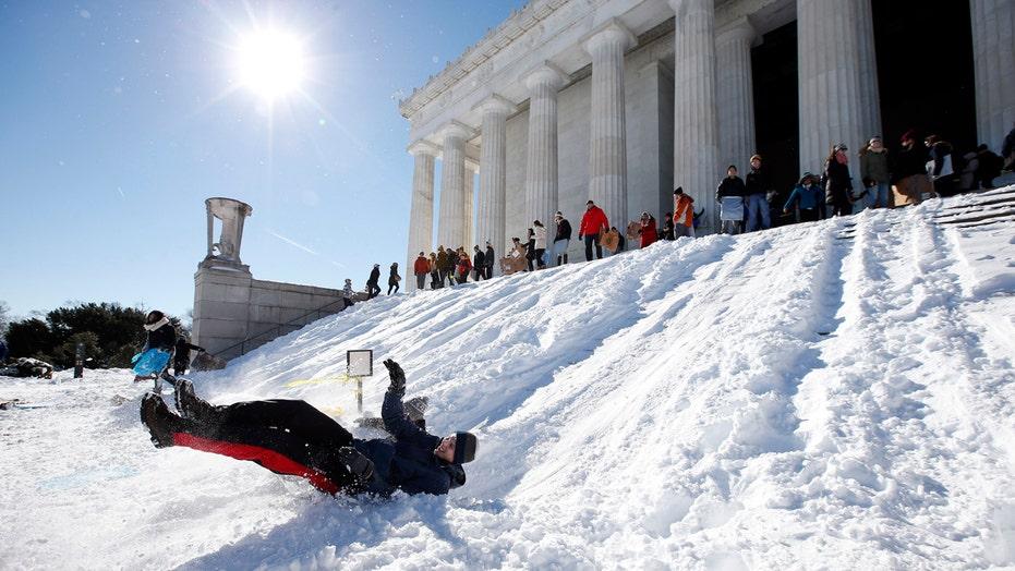 Washington DC buried under record-setting snowfall