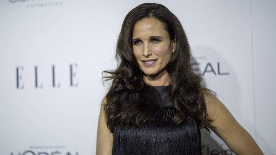 Andie MacDowell not happy with 'tourist class'