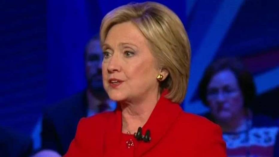 Clinton struggles to gain her second political wind
