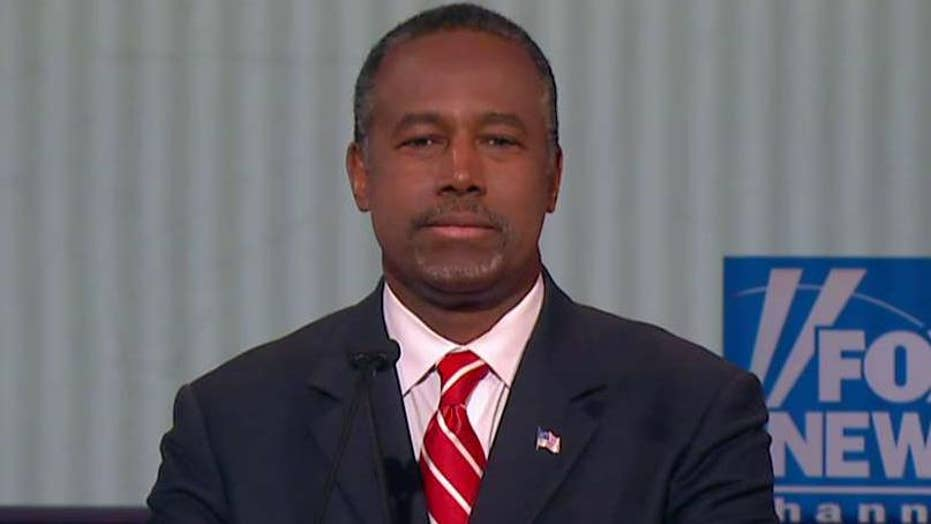 Carson recites Preamble of the Constitution at GOP debate