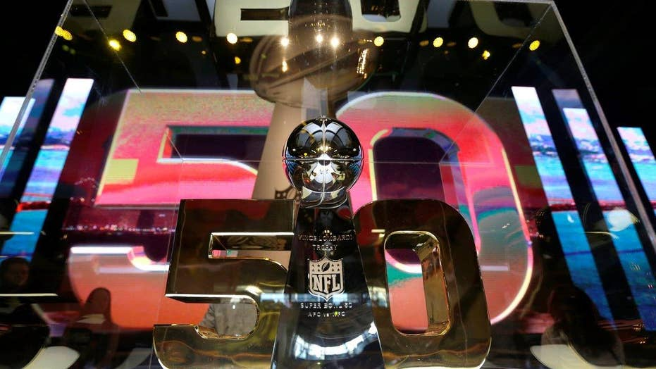 Best apps to enhance your Super Bowl 50 viewing experience