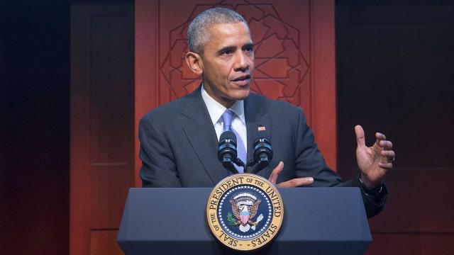Critics see bad optics from Obama's mosque visit