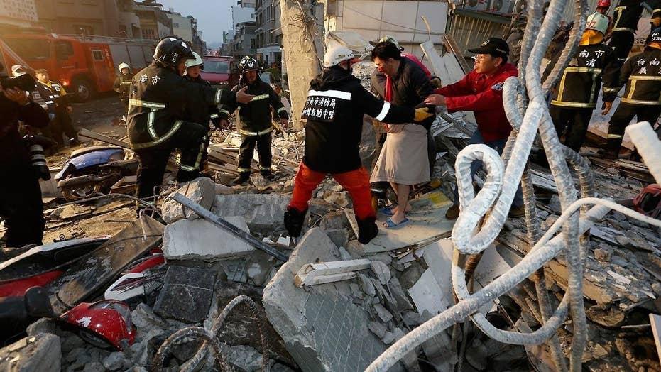 Powerful earthquake rocks Taiwan