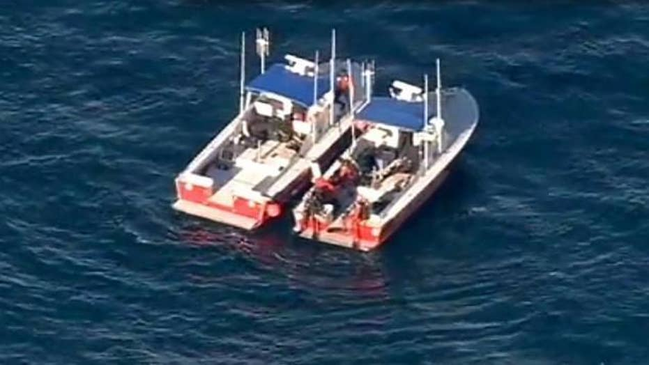 Search for 3 suspended after planes collide off Cali. coast